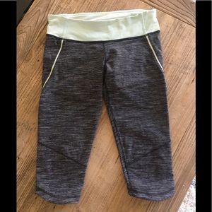 Lululemon Crop Marbled Leggings 🌿